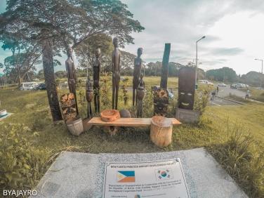 Sculpture outside Puerto Princesa Airport